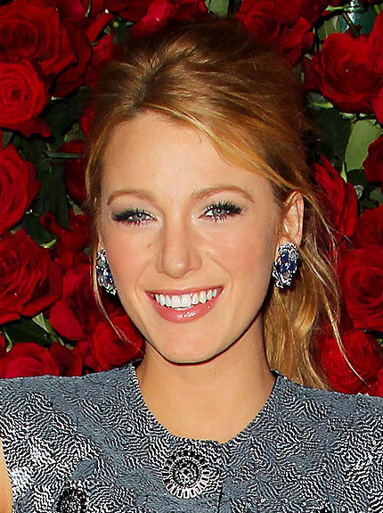 blake-lively's-holiday-make-up